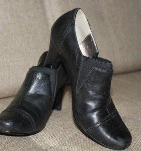 Туфли черные -34р