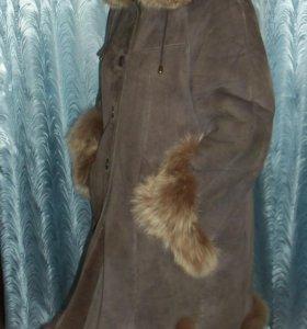 Дубленка с натуральным мехом чернобурки 46 размер