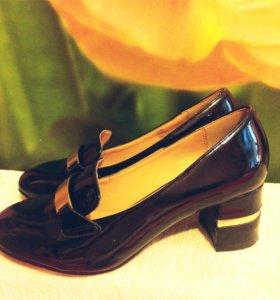 Туфли лакированные 37 размер