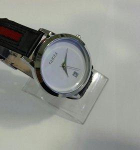 Часы женские Gucci