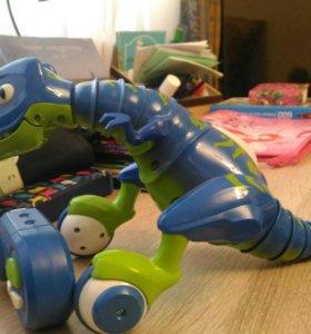 Игрушка робот-динозавр