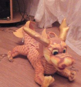 Дракон игрушечный мягкий