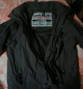 Курточка на 4-6 лет