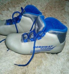 Ботинки лыжные 36р