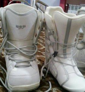 Ботинки сноубордические в отличном состоянии