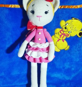 Вязаная игрушка Кошечка Софи