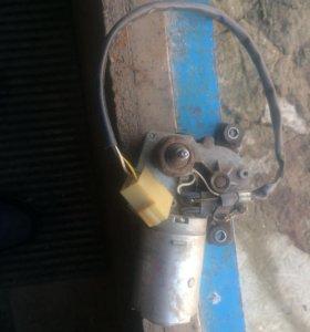Двигатель заднего дворника 2104