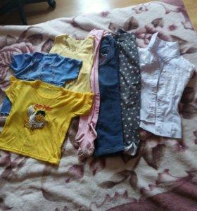 Набор одежды для девочки.