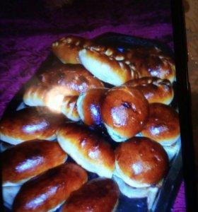Пирожки с разными начинками, пельмени, вареники, г