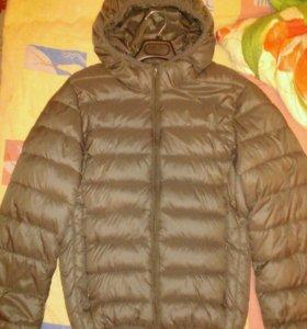 Куртка на 140-146 см. Новая. Торг