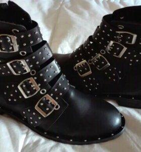 Ботинки осенние,женские