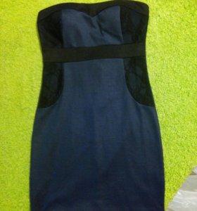Платье темно синее с кружевными вставками