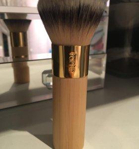 Кисть для макияжа Tarte