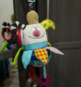 Игрушки подвески taf toys