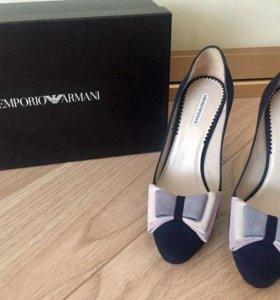 Продам новые фирменные туфли