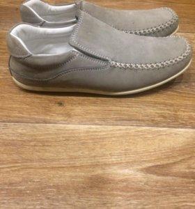 Туфли мальчиковые новые