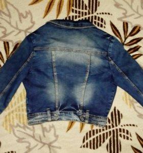 Куртка джинсовая почти новая