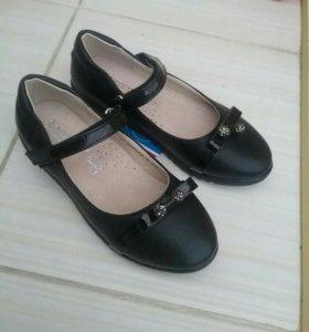 Продам новые туфельки 29размер