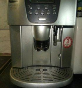 Кофемашина Delonghi ESAM4500