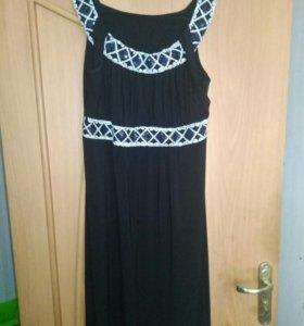Очень красивое платье.