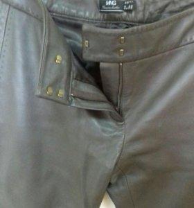 Кожанные  натуральные брюки новые   44-46 р