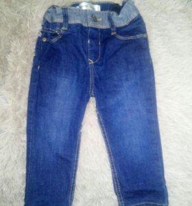 Комбинезон и джинсы на малыша