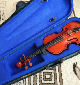 Скрипка 1/2 + футляр + мостик