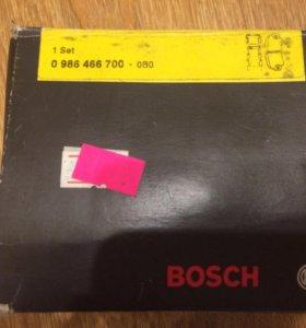 Колодки передние тормозные Bosch