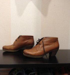 Нат кожа, женские ботинки 39 р