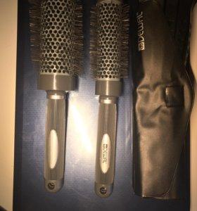 2 брашинга, 5 зажимов и набор расчесок Dewal