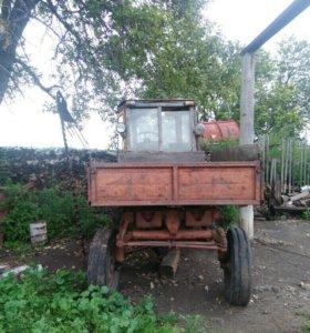 2 трактора Т16