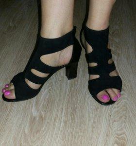 Туфли 3 пары за 700