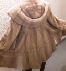 Шуба норковая  размер 46 - 48 с капюшоном КОБРА.