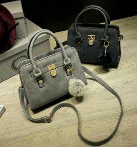 Новые сумочки с помпоном (два цвета)