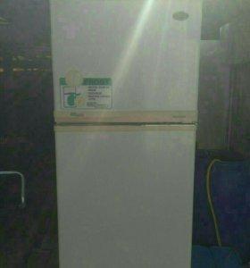 Холодильник двухкамерный Super General SC R-400