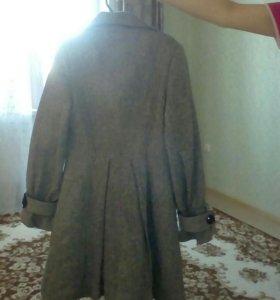 Пальто на девочку. Осень.