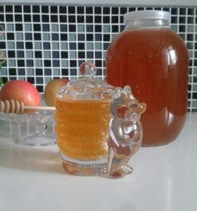 Мёд со своей пасеки цена указана за 3 л. Банку