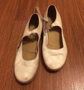 Народные туфли на девочек
