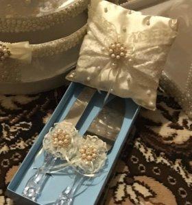 Свадебная подушечка и лопатка для торта