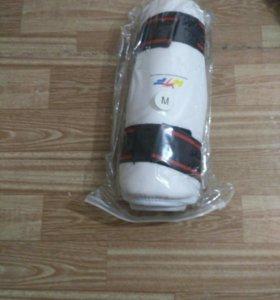 Защита на колени для тхэквондо.