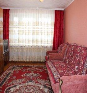 Мягкая мебель: двуспальный диван и два кресла