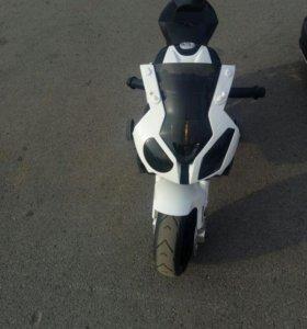 Электромотоцикл БМВ