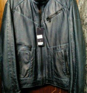 Продам новую куртку на осень размер 52 с турции