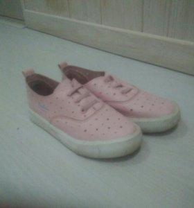 Кеды и кроссовки