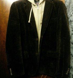 Продам новую фирменную куртку на осень новая 50,52