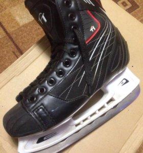 Коньки хоккейные высокого качества VANCOUVER  40 р