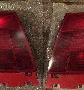 Комплект задних фонарей на Audi A4