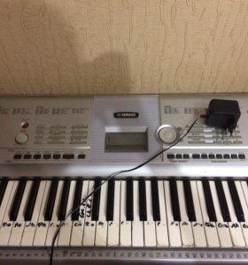 синтезатор yamaha (срочно)