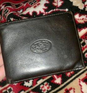 Коженый кошелёк покупал за 2000