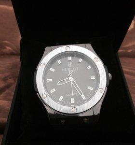 Часы новые Hublot
